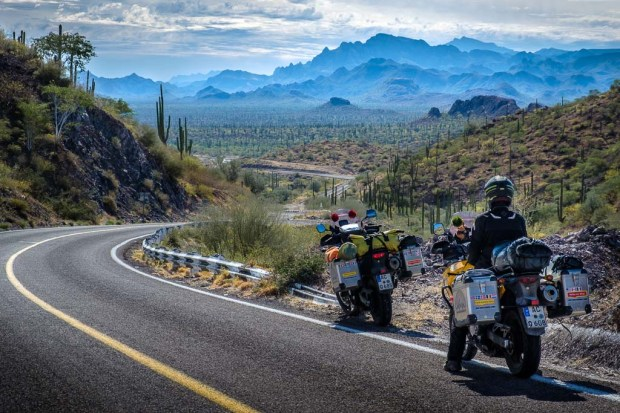 Bahja, Berge, Kaktus, Motorradweltreise, Roadtrip, V-Strom_DSCF6772_1024