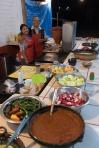 Neben dem Taco-Restaurant von Felix und Sarai dürfen wir für eine Nacht unser Zelt aufstellen und werden am nächsten Morgen zum Frühstück ausgeführt. Muchos Gracias!