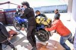 Erst das eine Moped verladen...