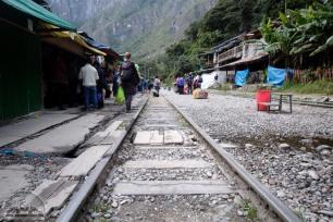 Und Abmarsch: Ab der Haltestelle Hydroelectrica kann man zehn Kilometer zu Fuß nach Aguas Calientes marschieren.