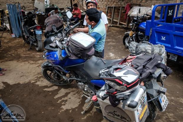 DL650, Fußraste SW-Motech, improvisieren, Motorradweltreise, Peru, reparieren, Sena 10c, Shoei, Stadler, TKC70, Touratech, V-Strom_DSCF0368_1180