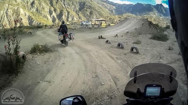 DL650 V-Strom, Jump, La Paz, Motocross, Motorradweltreise, offroad, Rennstrecke, Sena 10c, Shoei, Stadler, TKC70, Touratech_S10C0163-1_1180.jpg